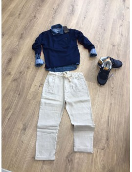 Completo maglione, camicia e pantalone